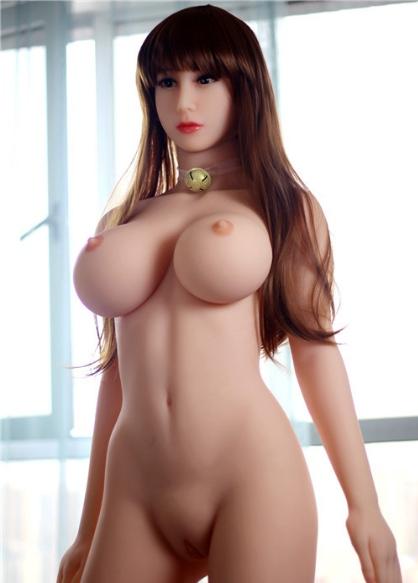 Chica exhibiendo la calidad de gráficos de los juegos porno gratis.