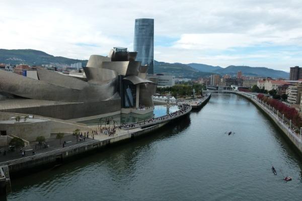 Ría de Bilbao, para conocer gente