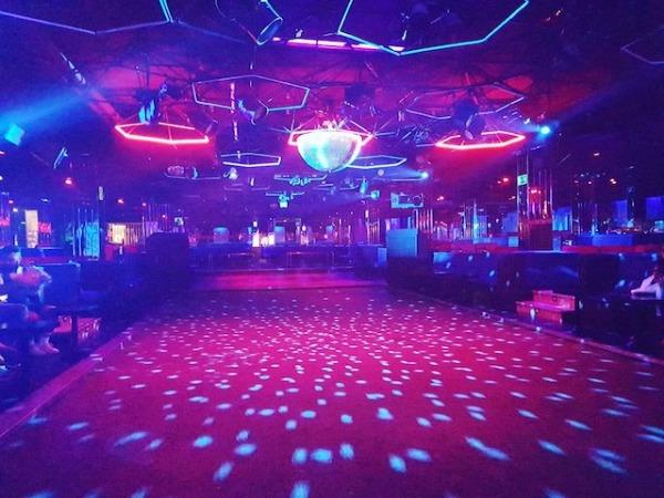 Obbio Club disco para follar en Sevilla